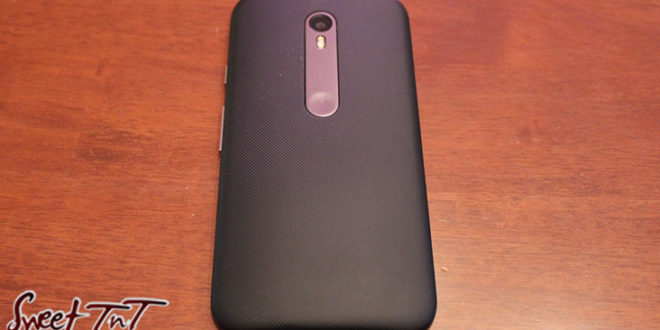 Moto G3, phone for refurbished phone article for tech section, in sweet T&T for Sweet TnT Magazine, Culturama Publishing Company, for news in Trinidad, in Port of Spain, Trinidad and Tobago, with positive how to photography.